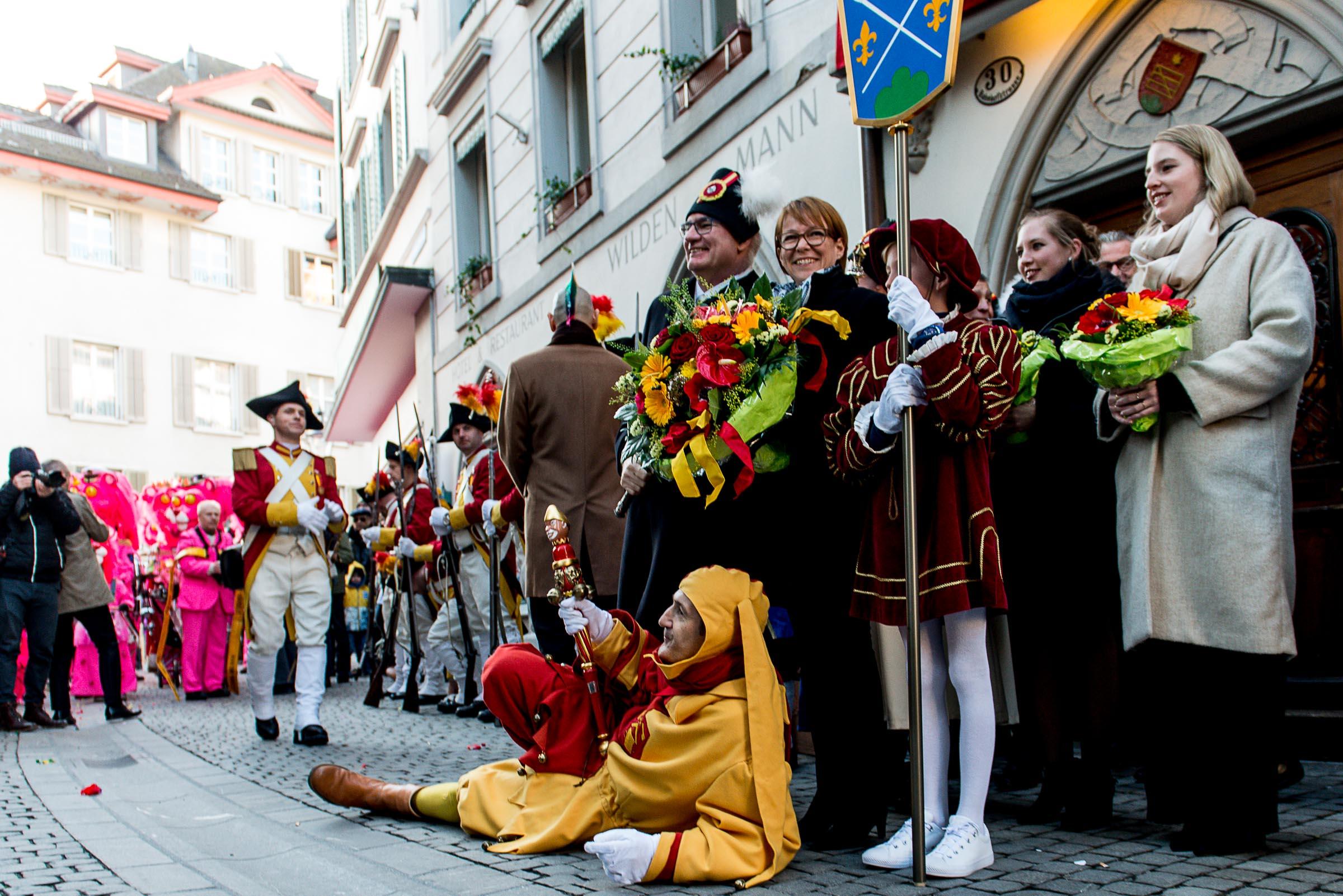 Fritschivater Abholung 2019 vor dem Hotel Wilden Mann in Luzern